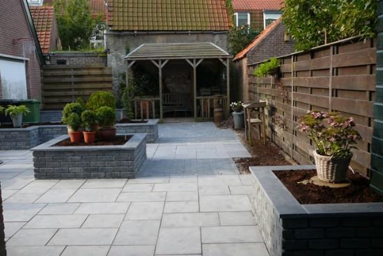 Natuursteen in tuinen terrassen bestrating vijveromlijstingen tuintafels tuinbankjes - Afbeeldingen van terrassen verwachten ...